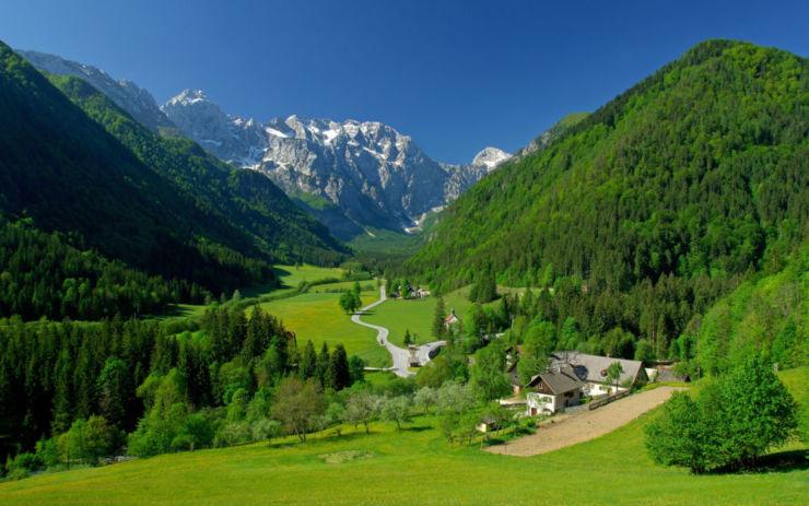 valley-landscape-wallpaper-1